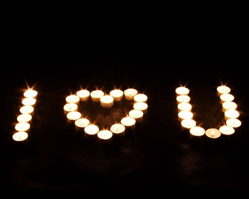I love you candles spelled out how to do it romantic iddeas