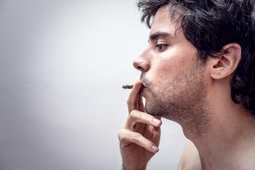 bad-dates-man-smoking-terrible-time-date-movie