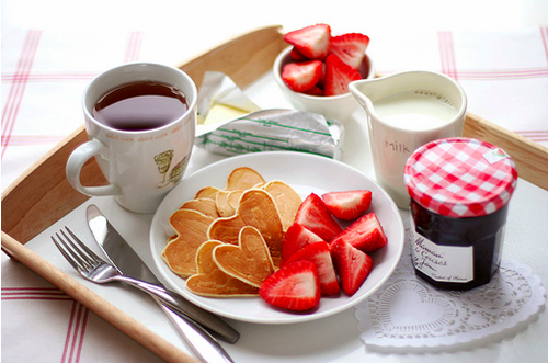 breakfast in bed ideas making it in bedroom