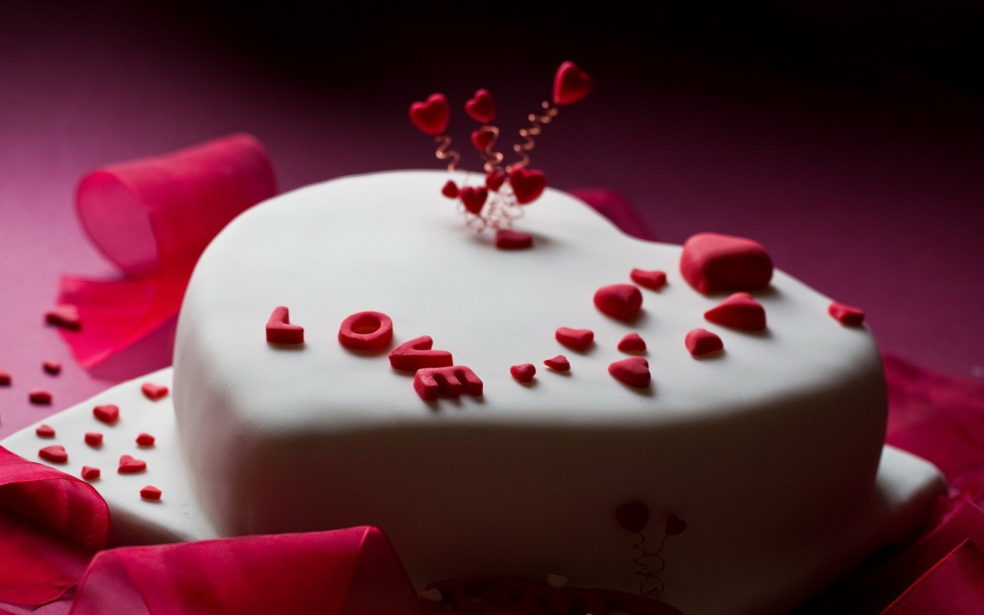 Love Images In Cake : love cake