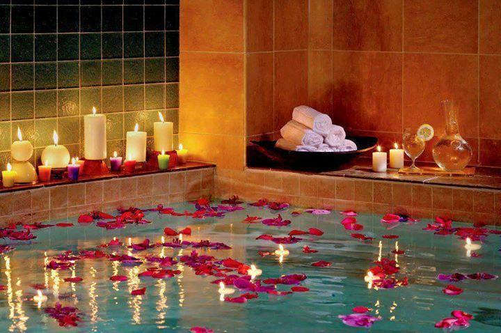 romantic bubble bath cheer me up hotel idea