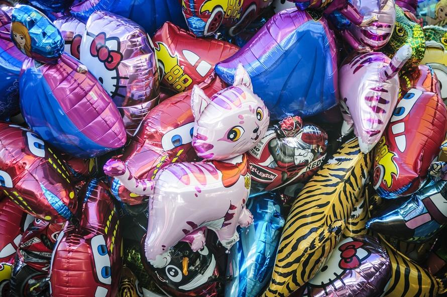 romantic-cartoon-balloons-dating-ideas-long-distance-college