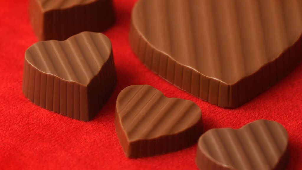 romantic chocolate hearts carved name idea