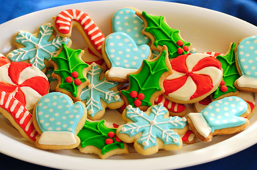 romantic-christmas-cookies-couple-dating-cookie-idea