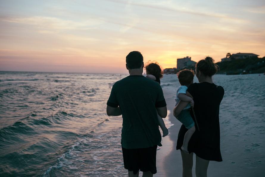 romantic-family-romance-rituals-vacation-love-night