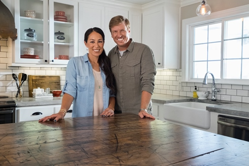 romantic fixer upper house buiilding couple ideas