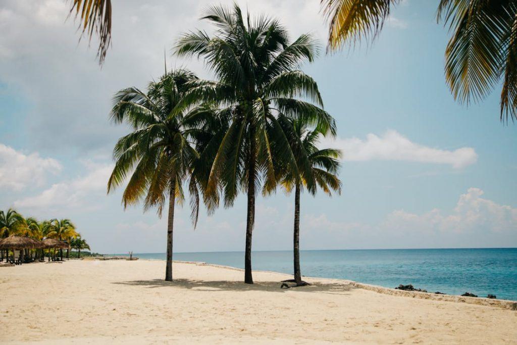 romantic-honeymoon-prehoneymoon-massage-tropical-beach-dating-ideas