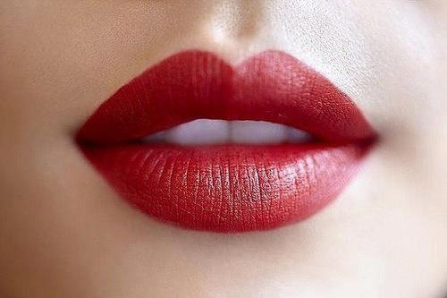 romantic lipstick marks love note