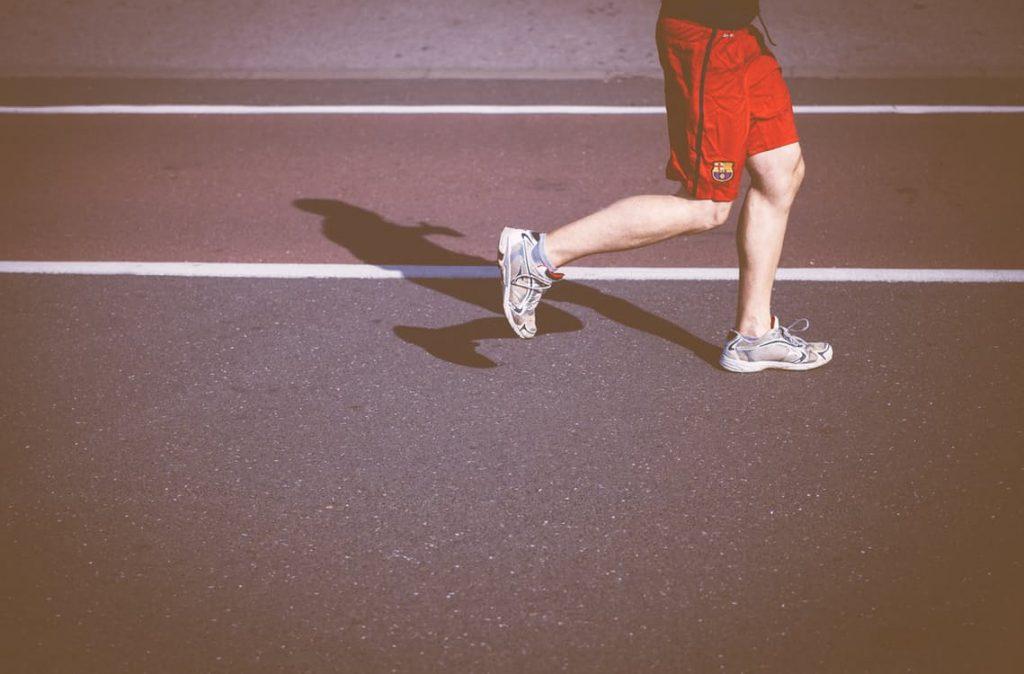 romantic-man-running-racing-marathon-tshirt-decorating-blanket-ideas