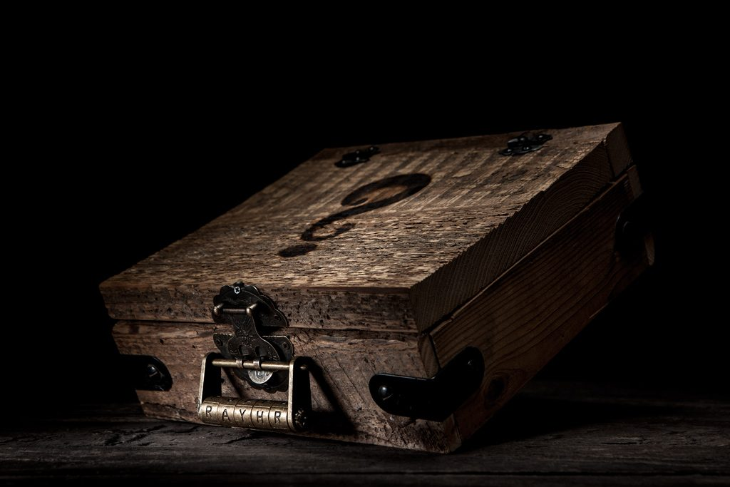 romantic mystery box couples art idea