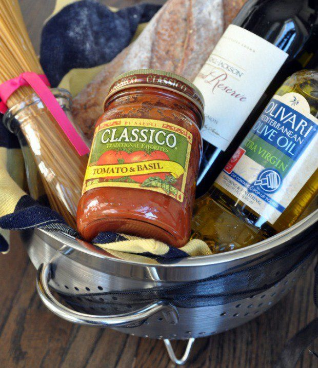 romantic-pasta-colander-gift-basket