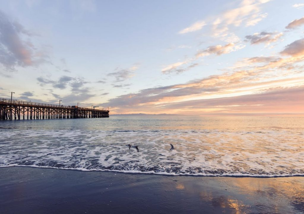 romantic-pier-dating-ideas-oysters