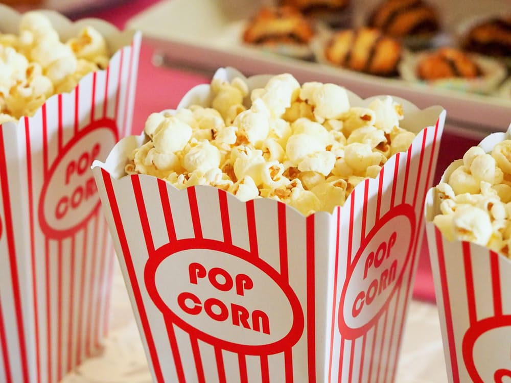 romantic-popcorn-kissing-tips-movies