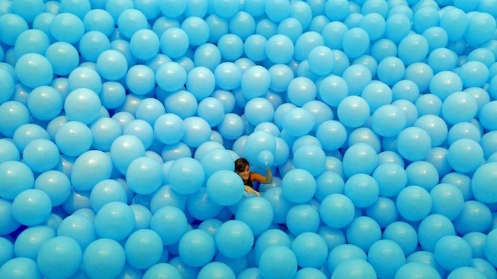 romantic promposal balloon puzzle photo ideas