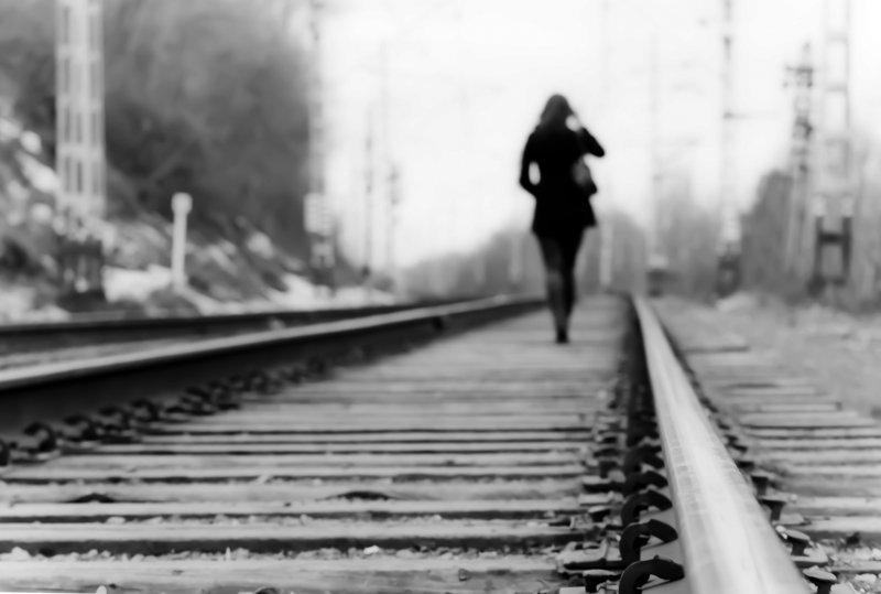 romantic-woman-leaving-bad-date-ex-girfriend-date-disasters