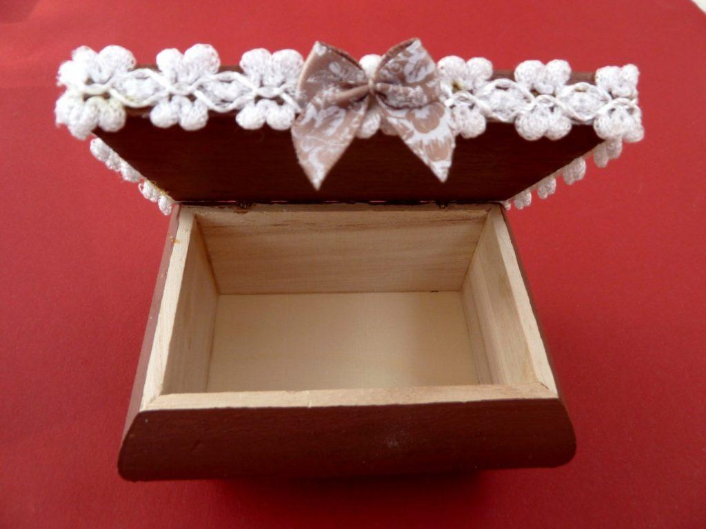 romantic wooden box gift ideas under $20