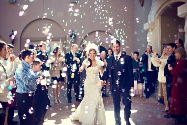 wedding bubbles planning your wedding romantic ideas