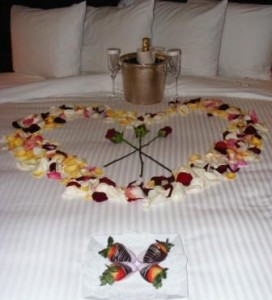 Romantic_turndown_at_Westgate_Hotel_photo_by_Richard_N_Every