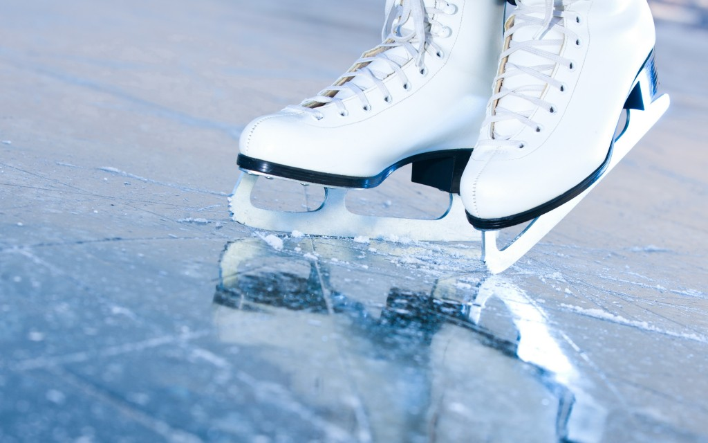 ice skate first date unplanned ideas