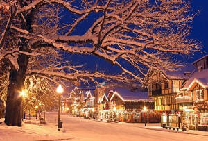 PICTURE PERFECT, MAGICAL CHRISTMAS TOWNS