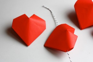 Origami valentines day hearts cards for Romantic origami ideas