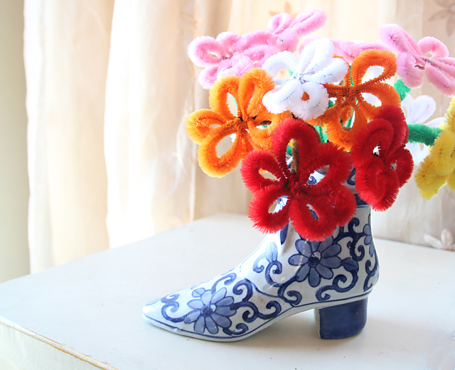 pipe cleaner flower gift bouquet