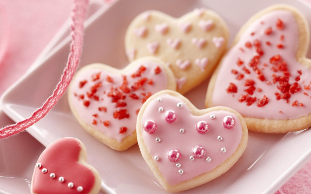 romantic-heart-shaped-cookies-valentines-day-ideas
