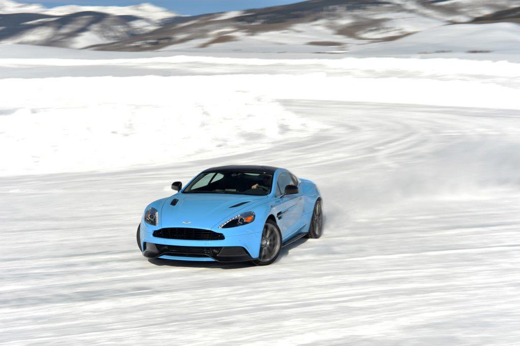 winter snow driving christmas first date lights ideasd